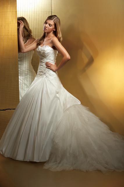 Фото 1 - Свадебное платье Benjamin Roberts (Бенджамин Робертс) BR958 фотографии и цены