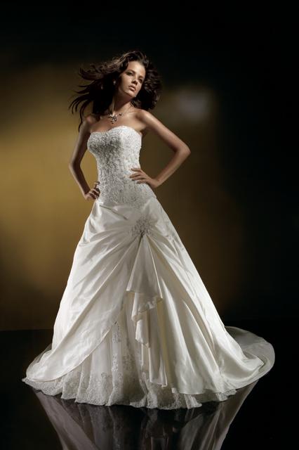 Фото 1 - Свадебное платье Benjamin Roberts (Бенджамин Робертс) BR914 фотографии и цены