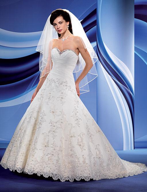 Свадебные платья пышные со шлейфом : Свадебное платье Eddy K
