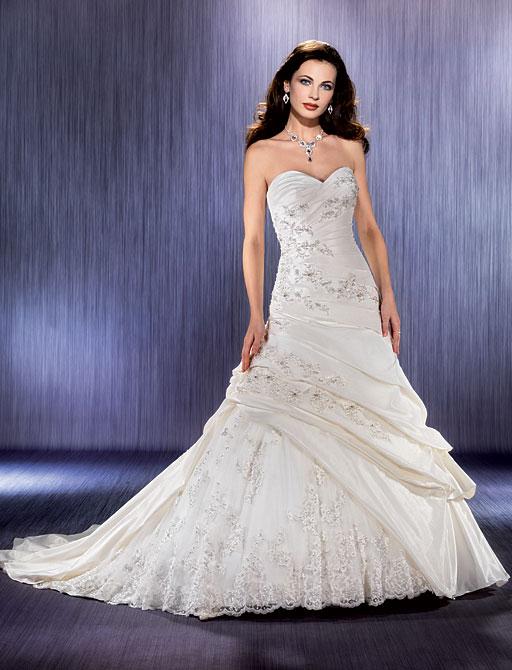 Свадебные пышные платья 2011 фото в итальянском стиле в Москве