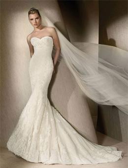 Помните! Свадебные платья рыбка великолепно подчеркивают линию бедер, привлекают внимание к фигуре, вызывают образы искушенности и привлекательности