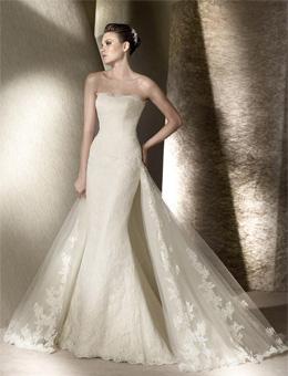Здесь наряд должен эффектно выделять все достоинства, превращая невесту в сказочную принцессу. Свадебное платье в стиле «Русалка»